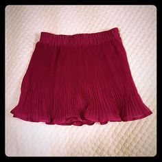 Forever 21 Flouncy Magenta Skirt Beautiful, fun and flouncy mini skirt from Forever 21.  Worn once, condition like new. Forever 21 Skirts Mini