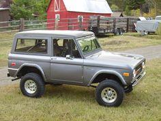 ✿1975 Ford Bronco✿ Classic Bronco, Classic Ford Broncos, Classic Trucks, Classic Cars, Old Ford Bronco, Early Bronco, Lifted Trucks, Pickup Trucks, Vintage Trucks
