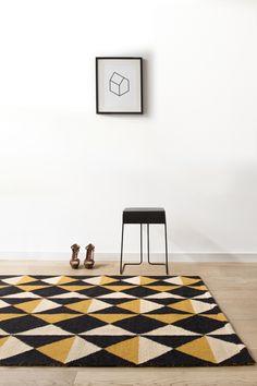 Lama wool carpet- ROUGE DU RHIN
