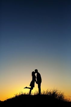 So so cute! Perfect kiss at sunset!