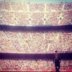 Epic pic of Messi in Camp Nou #messi #barca #campnou