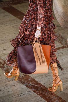 Ulla Johnson Fall 2021 Fashion Show Details | The Impression Fall Fashion Trends, Latest Fashion Trends, Winter Fashion, Fashion Show, Fall Bags, Classic Handbags, Ulla Johnson, New York Fashion, Fashion Details