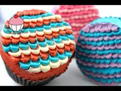 Ruffled Layer Frosting Technique for Cakes and Cupcakes - Learn how to make these using our FREE online video tutorials. Visit YouTube channel MyCupcakeAddiction for these and lots more cupcake and cakepop decorating tutorials!