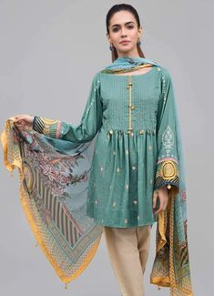Girls Dresses Sewing, Stylish Dresses For Girls, Girls Formal Dresses, Trendy Clothes For Women, Eid Dresses, Winter Dresses, Beautiful Pakistani Dresses, Pakistani Dresses Casual, Pakistani Dress Design