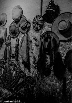 Norman Kulkin, New York Series 1978: Bedroom Hats