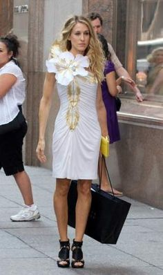 Sarah Jessica Parker | Fashion Victim-Conformist #mafash14 #bocconi #sdabocconi #mooc #w1