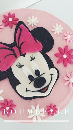 Eine Torte für Minnie Fans! In rosa und pink Tönen gehalteb, mit Fondant Details und einer 2D Dekoration. Süss und herrlich fein 💗 Fondant, Minnie Mouse, Pink, Disney Characters, 2d, Communion, Wedding Day, Pies, Birthday