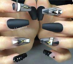 Картинка с тегом «long nails, black, and manicure»