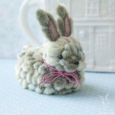 Felt Crafts Diy, Diy Crafts To Sell, Arts And Crafts, Fabric Animals, Craft Activities, Flower Crafts, Rabbit, Bunny, Toys