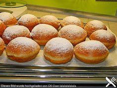 Burgis Faschingskrapfen, ein tolles Rezept aus der Kategorie Kuchen. Bewertungen: 243. Durchschnitt: Ø 4,7.
