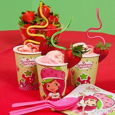 Treat the Berry Bitty birthday girl and her friends to berry-licious Strawberry Smoothies! A krazy straw and a fresh fruit garnish make these Strawberry Shortcake cups even cuter.