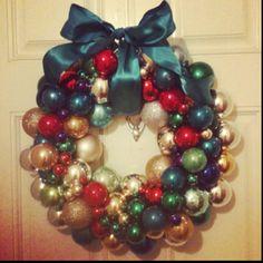 My homemade Vintage Christmas Ornament wreath!