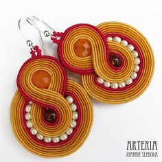 Soutache earrings in colours of an sunset from ***Morcik (Arteria)*** Soutache Bracelet, Soutache Jewelry, Beaded Jewelry, Handmade Jewelry, Jewellery, Wire Earrings, Crochet Earrings, Diy Jewelry Instructions, Earring Trends