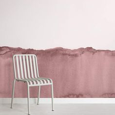 Mixing the usual forms of abstract designs and the increasingly on-trend grunge style will delight the eyes of anyone who views our watercolor wallpaper.