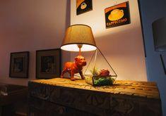 Terariu cu plante, piramidă din sticlă, lucrată manual - Greenarium Table Lamp, Interior, Vintage, Home Decor, Plant, Geometry, Table Lamps, Decoration Home, Indoor
