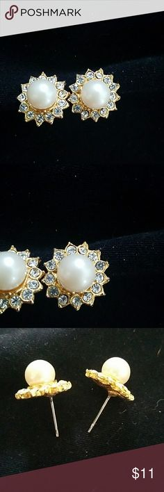Pearl Diamond style earrings 1/4 inch in size no missing stones not real pearls or diamonds Jewelry Earrings