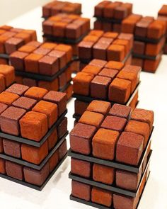 almost too beautiful to eat - Chocolate Rubik Cube Cakes by Cedric Grolet 💕💕💕💕💕 Patisserie Fine, Blog Patisserie, Fancy Desserts, Delicious Desserts, Dessert Recipes, Cedric Grolet Patisserie, Elegant Cakes, Let Them Eat Cake, Cake Designs