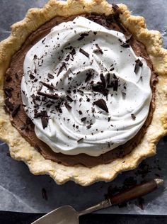 A Gaines Family Tradition French Silk Pie Chocolate Silk Pie, Chocolate Pie Recipes, Chocolate Wafers, Famous Chocolate, Baking Chocolate, Chocolate Tarts, Chocolate Caramels, Chocolate Desserts, Joanna Gaines