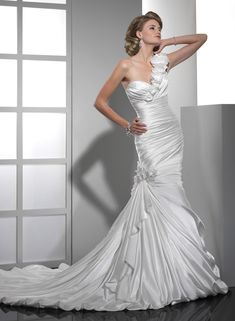 Ruched Demir Stretch Satin Mermaid Handmade Flowers Strap Sweetheart Neckline Fit and Flare Wedding Dress