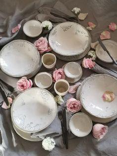 com Eva-Maria Schörg Tea Lights, Decorative Plates, Pottery, Candles, Rose, Home Decor, Handmade Pottery, Pottery Ideas, Ceramica