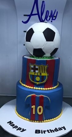 Soccer Cupcakes, Football Birthday Cake, 10 Birthday Cake, Soccer Cake, Cupcake Cookies, Football Themed Cakes, Barcelona Cake, Soccer Theme Parties, How To Stack Cakes