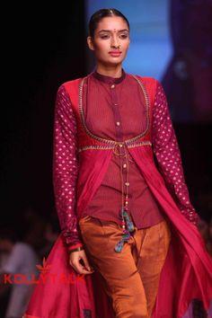 Shruti Sancheti on Day 4 of Lakme Fashion Week 2013 Photos (1)