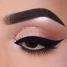 Winged eyeliner is one of the most popular trends these days. But not every one of you knows about all the possible options that this look comes with. That is why we decided to present to your attention a set of cat eye ideas that can suit many occasions and you will never look all the same no matter where you go! #makeup #makeuplover #makeupjunkie #wingedeyeliner