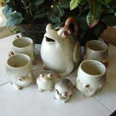 Vintage Fitz and Floyd Frog Collection (7 Pieces) by sscookiesandcrafts on Etsy https://www.etsy.com/listing/195136958/vintage-fitz-and-floyd-frog-collection-7