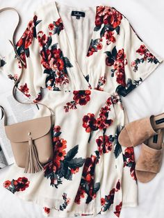 These outfits are really easy and simple to wear, also they look SO stylish and fashionable. Here are our collection of easy summer outfits! Mode Outfits, Casual Outfits, Fashion Outfits, Womens Fashion, Style Fashion, Casual Clothes, 90s Fashion, Dress Fashion, Fashion Art