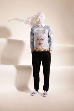 vêtements de la marque Opening Ceremony basés sur des peintures de Magritte