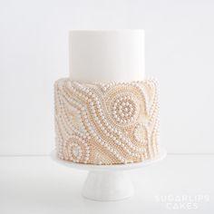 340 отметок «Нравится», 18 комментариев — Sugarlips Cakes (@sugarlipscakes) в Instagram: «Pearl by pearl... A true labor of love! . . . #oneatatime #pearls #audreyhepburn #laboroflove…»