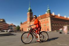 Summer cycling in Warsaw, Poland. Royal Castle in background. ANIA W PODRÓŻY travel blog and photography