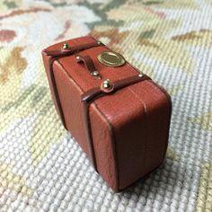 tutorial: miniature leather suitcase