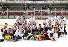 Beim Sledge Eishockey engagieren sich Menschen mit und ohne Behinderung gemeinsam