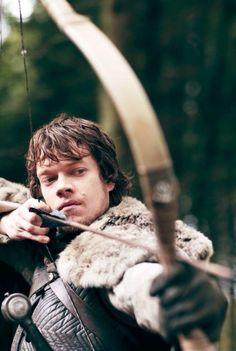 Alfie Allen aka Theon Greyjoy - Game of Thrones