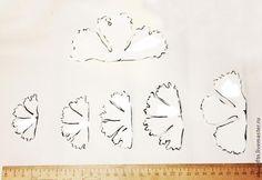 Хочу представить вашему вниманию мой вариант пиона из фоамирана... 1. В этом цветке использую 2 цвета — белый и желтый; 3 маленькие заготовки по 2 шт. белые и 3, по 2 шт. желтые. 2. Шаблон лепестков цветка: Вырезаем каждой по 2 шт: 3. Примерные размеры. 4. Обводим полукруги шаблона.…