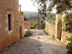 ART TRAVEL Old Street, Crete, Greek Islands, Landscape Architecture, Photo S, Trip Advisor, Beautiful Places, Country Roads, Plants