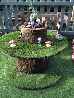 cable reel table for children Cable Reel Ideas Eyfs, Cable Reel Ideas For Kids, Cable Reel Table, Wooden Cable Reel, Eyfs Outdoor Area, Outdoor Play Spaces, Jardin Decor, Spool Tables, Nursery Activities