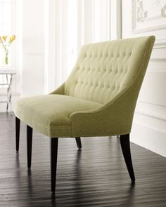 Love this Button-Back Settee!