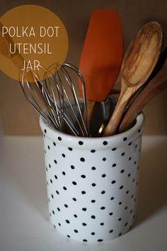 DIY polka dot kitchen utensil jar! #DIY #tartryin