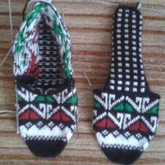 Fotoğraf açıklaması yok. Cami, Gloves, Knitting, Crochet, Create, Jewelry, Instagram, Fashion, Moda