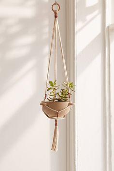 "Edda 6"" Planter + Hanger Set | Urban Outfitters"