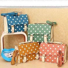 Polka Dot Satchel from Picsity.com. REAAAAALY LIKE THESE!