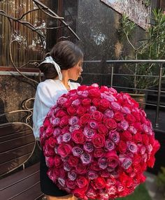 Image about love in Flowers🌺 by ♛ Ꭿn on We Heart It Boquette Flowers, Luxury Flowers, Beautiful Flowers, Flower Aesthetic, Ornament Wreath, Floral Arrangements, We Heart It, Christmas Bulbs, Xmas