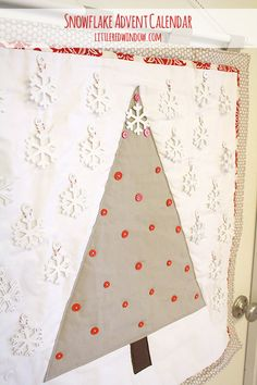 Snowflake Christmas Tree Advent Calendar, cute DIY advent calendar on littleredwindow.com