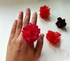 DIY cute & fluffy fabric flower rings!