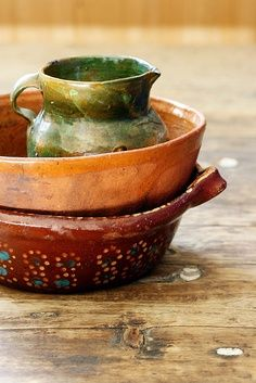 I love the autumn colors and the rustic look. Three pieces for my Fall table.