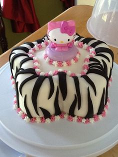 Hello Kitty Zebra Cake   Hello Kitty zebra cake!!!   Sugar Therapy Baking-cupcakes, catering a ... Kylie Birthday, Birthday Cake, Birthday Ideas, Baking Cupcakes, Cupcake Cakes, Hello Kitty Cake Design, Biscuits, Cat Party, Cake Creations
