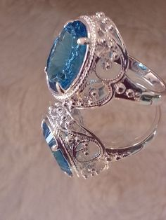 Omgosh check out this 7k SS Blue Topaz ring ♥♡♥