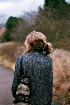 the hair..the bag..the coat..love it #streetstyle